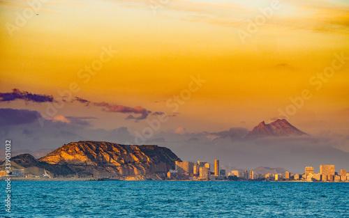 Canvastavla Coastal landscape with Alicante city, Spain
