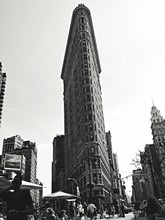 Street View Of Flatiron Buildi...