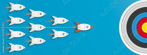 Leinwand Poster Leader Rocket Target First Startup Blue Header