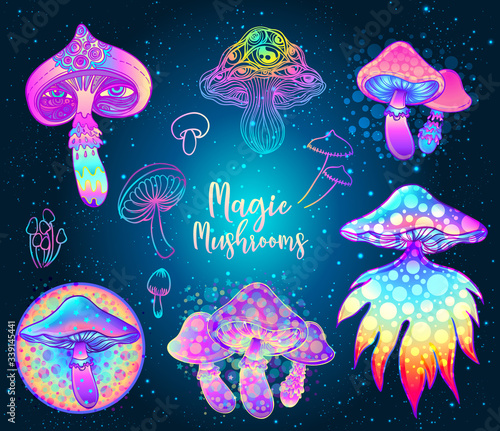 Fotografija Magic mushrooms over sacred geometry