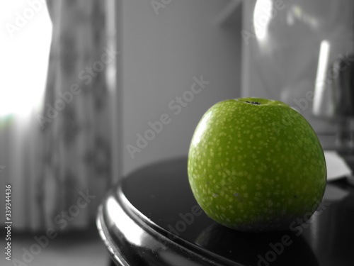 Tela Close-up Of Granny Smith On Table At Home
