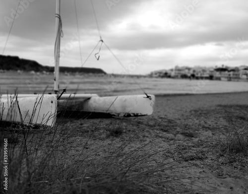 Photo Piccolo catamarano arenato