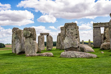 The Mysterious Stonehenge In E...