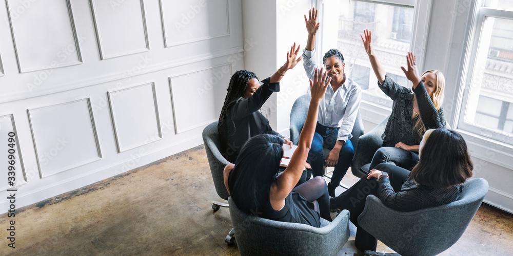 Fototapeta Positive women teamwork