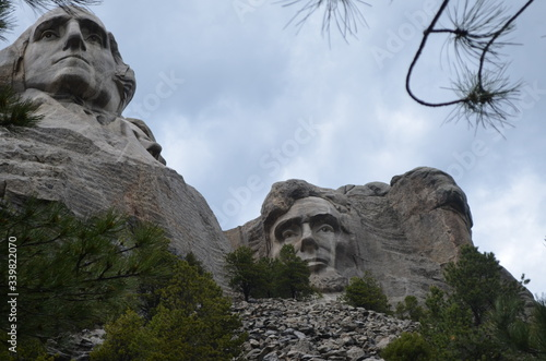 Photo Late Spring in the Black Hills of South Dakota: Looking up at Mount Rushmore Nat