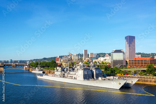 Leinwand Poster Navy Battleship Moored In Willamette River At Tom Mccall Waterfront Park Against