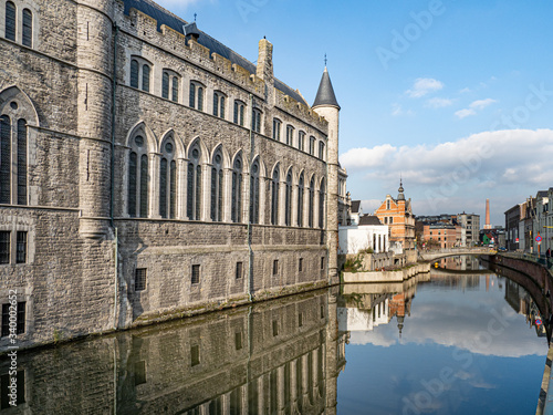 Photographie guild houses of Ghent by the canal