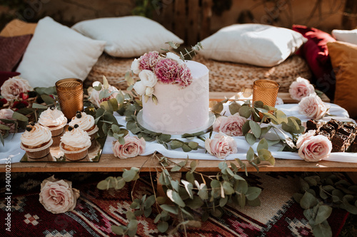 Foto Bridal cake, wedding candy table