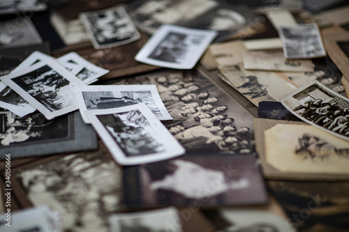 Photo 100 year old photographs