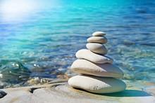 Pyramid Of Stones Zen Balance ...
