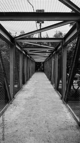 Photo Empty Footbridge In City