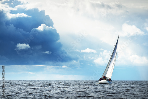 Sailing yacht regatta Canvas-taulu