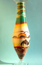 Vasetto Di Vetro Con Sabbia, Raffigurante Un Tramonto Nel Deserto Con Un Cammello, Un Gabbiano E Le Dune.