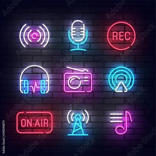 Photo Podcast icon neon