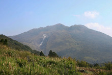 Sunny View Of The Xiaoyoukeng Of Yang Ming Shan