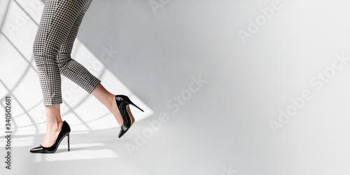 Stampa su Tela Black patent leather heels