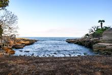 Kleine Einsame Bucht An Spanie...