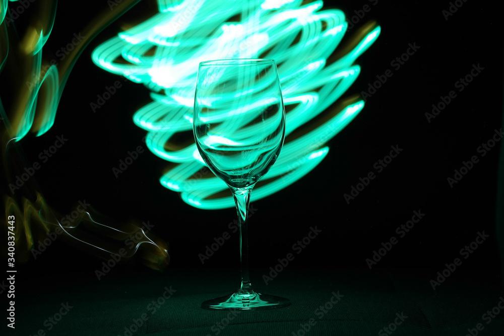 Fototapeta kieliszek światło transparentny czerń malowany