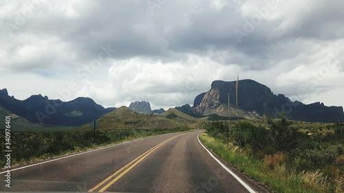 Photo Empty Road Along Landscape Against Sky