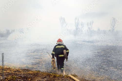 Canvas-taulu Australia bushfires, The fire is fueled by wind and heat