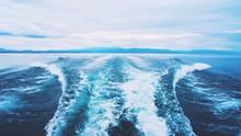 Wake In Sea