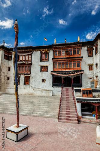Cuadros en Lienzo Spituk Gompa (Tibetan Buddhist monastery) in Leh, Ladakh, India