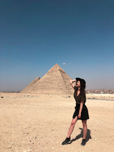 Curly Girl Is Traveling To Cairo To See Giza Pyramids