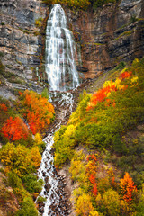 Panel Szklany Wodospad Vertical waterfall with autumn splendor, Provo Canyon, Utah, USA.