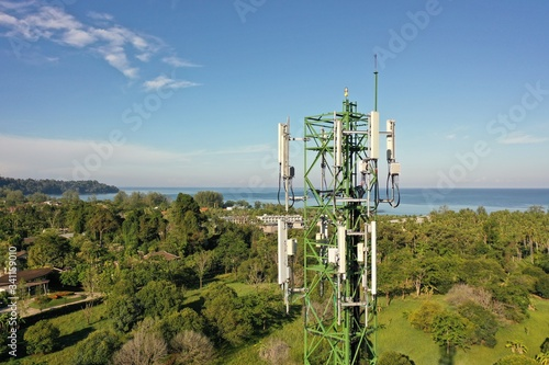 Obraz 4G and 5G telecommunications tower - fototapety do salonu