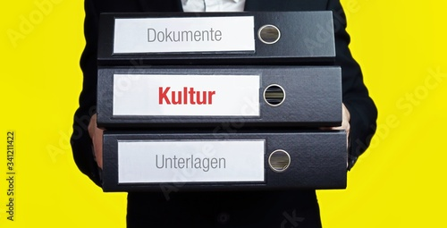 Foto Kultur – Finanzen/Wirtschaft