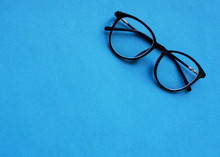 Classic Glasses With A Black R...