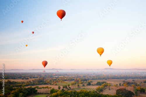 Fototapety, obrazy: Hot air balloons fly over Bagan temples