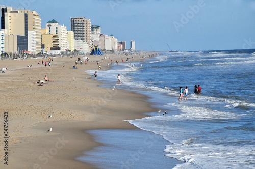 Fotografie, Obraz The beautiful beach and ocean front at Virginia Beach.