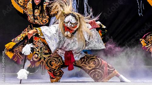 日本、広島、広島神楽、芸北神楽、神楽「紅葉狩」、鬼女大王、伝統芸能の魅力 Canvas Print