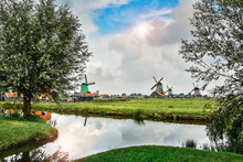 Traditional Dutch Old Wooden W...