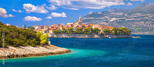 Fotografia Historic town of Korcula archipelago panoramic view