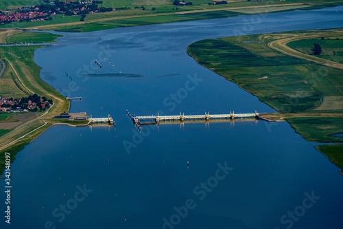 Cuadros en Lienzo Emssperrwerk kurz vor Emden. Nordseeküste