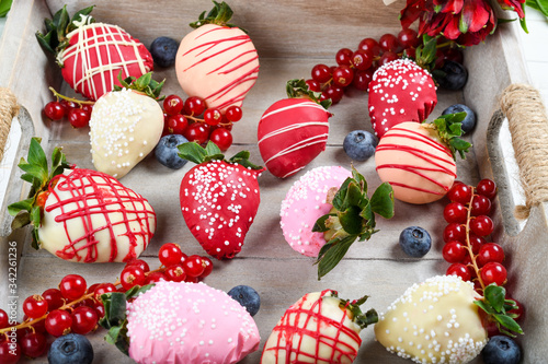 Fotografie, Obraz Chocolate dipped strawberries dessert mix ideal for Valentine's Day, Mother's Da