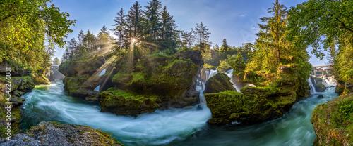 Traunfall ein wunderschöner Wasserfall in Oberösterreich bei Roitham, Desselbrunn Wallpaper Mural