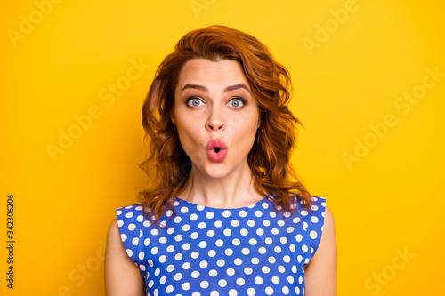 Fényképezés Portrait of crazy astonished girl stare unbelievable promo impressed scream wear