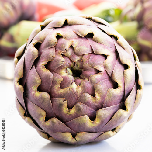 Photo Artichoke in kitchen