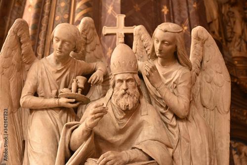 Statues de l'église Saint-Eustache à Paris, France Wallpaper Mural