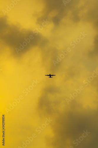 Photo Avion avant orage