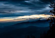 Majestuoso Atardecer Con Nubes...