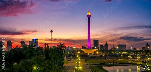 Fotografie, Obraz National Monument Of Jakarta At Sunset