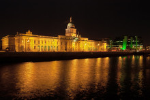 Custom House In Dublin At Nigh...