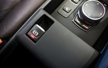 Car With An Electronic Handbra...