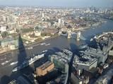 Fototapeta Do pokoju - Tower Bridge Over Thames River Against Sky In City