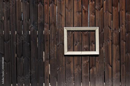 Fototapeta Fragment starej drewnianej stodoły z ramą obraz