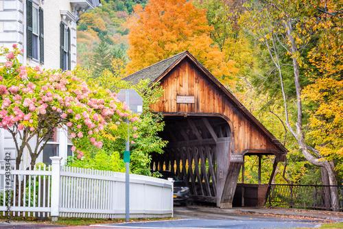 Fotografía Woodstock, Vermont Middle Covered Bridge